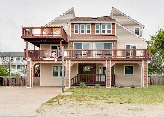 Comfortable Fun Beach Retreat for the Family. 8 bedroom. Sleeps 28!, vakantiewoning in Virginia Beach