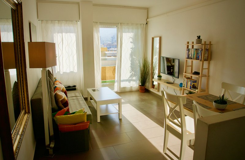 Modern Cozy 1Bdrm Views, Pools & Gardens, holiday rental in Benalmadena