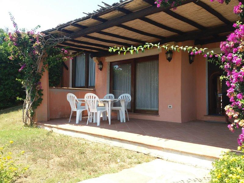 Villa con Giardino e Piscina Privata, location de vacances à Stintino