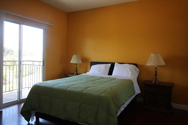 Delightful and Pleasant 2 Bedroom Apartment, holiday rental in San Fernando
