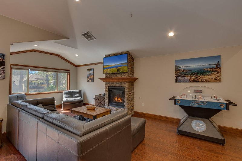 Tahoe Woods Paradise - living room overview