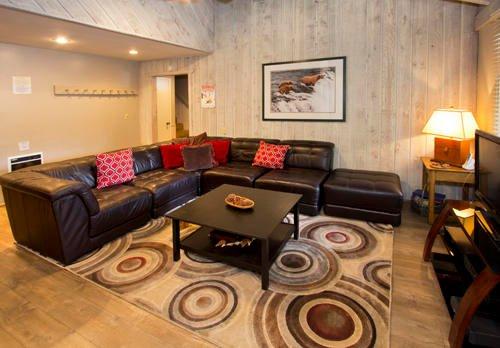 Sunshine Village # 142 - Asientos de la sala de estar