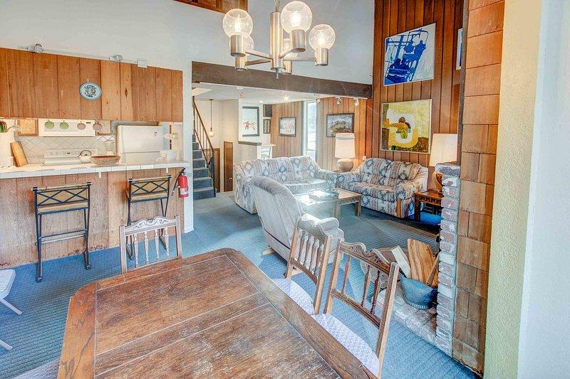Chamonix #096 - Dining area and kitchen