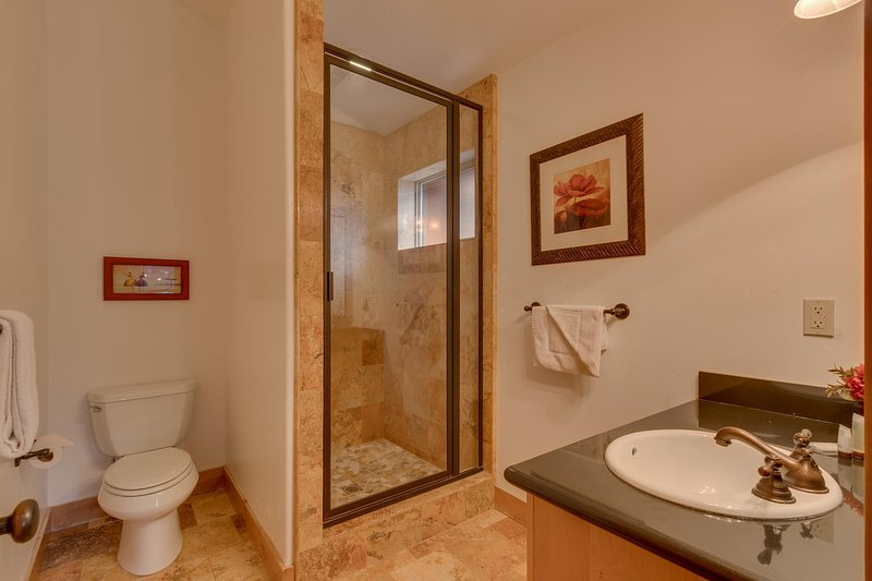 Evergreen Estate - Guest bathroom with shower
