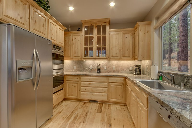Evergreen Estate - Fully equipped kitchen