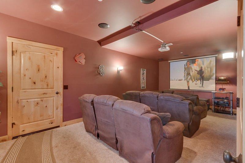 Evergreen Estate - Theatre room