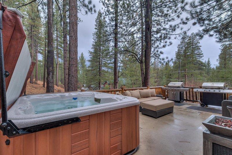 Evergreen Estate - Private hot tub