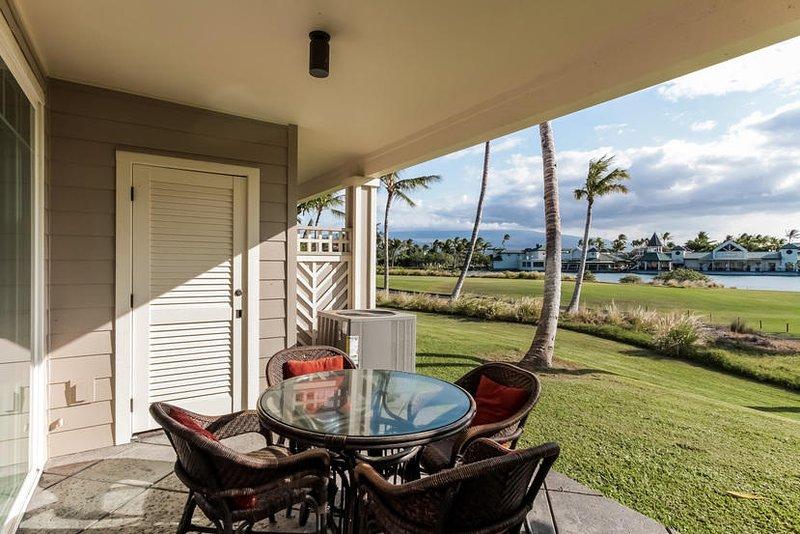 Fairway Villas M3 at the Waikoloa Beach Resort - Lanai with ocean view