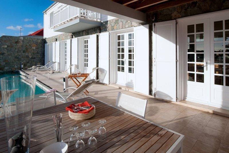 Villa Sur Le Port | Near Ocean - Located in Magnificent Gustavia with Private P, alquiler de vacaciones en Corossol