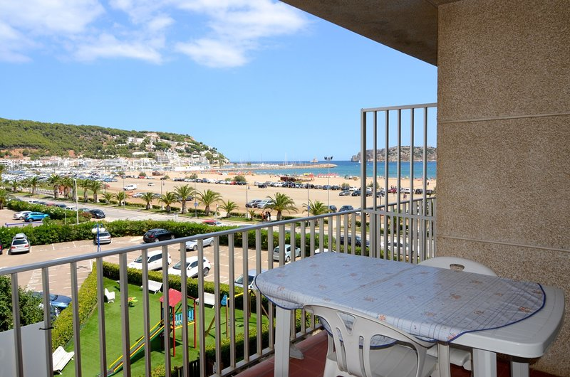 ROCAMAURA I B 3-2, vacation rental in L'Estartit