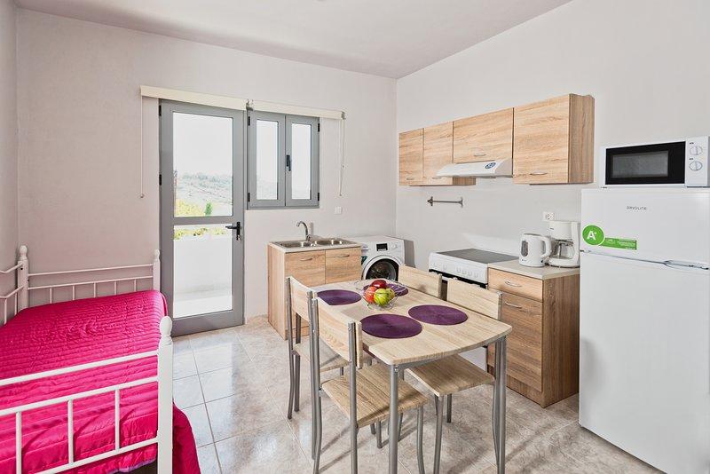 Paulsia#Apartment#1, location de vacances à Petaloudes