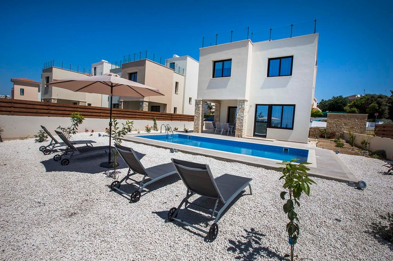 Olivia villa 63. Brand new 3 bedroom villa with private pool in Paphos seaside., holiday rental in Empa