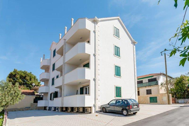 Two bedroom apartment Supetar, Brač (A-16130-a), alquiler de vacaciones en Sumpetar