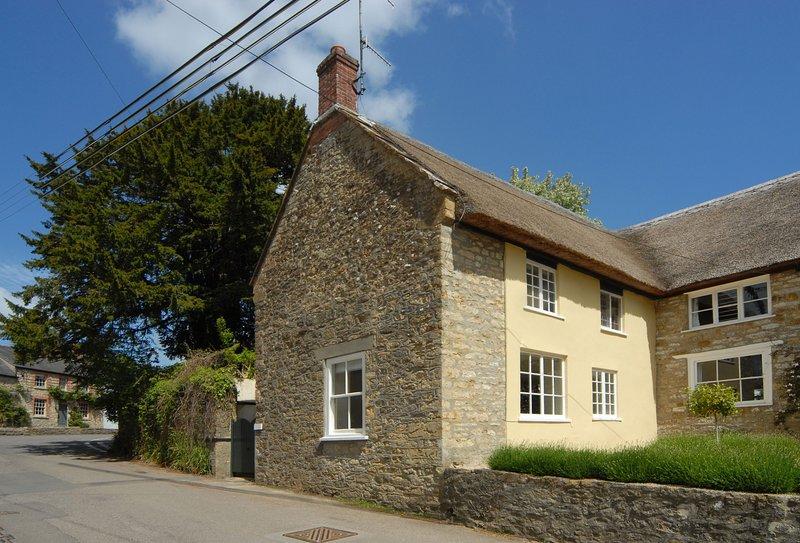 Pear Tree Cottage, vacation rental in Hooke