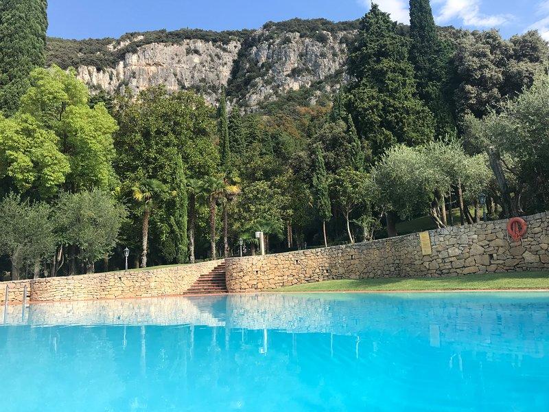 Parco Villa San Vigilio, vacation rental in Calmasino