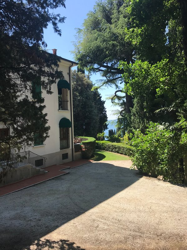 Villa / See