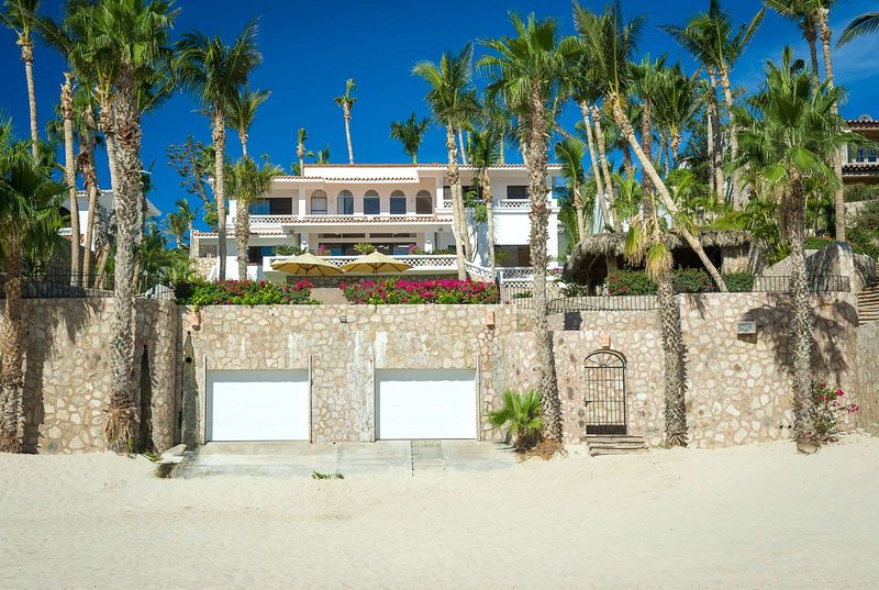 Experience a true luxury vacation by staying at Villa Pacifica-Palmilla!