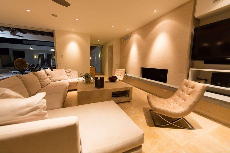 casa_de_la_playa_living_area