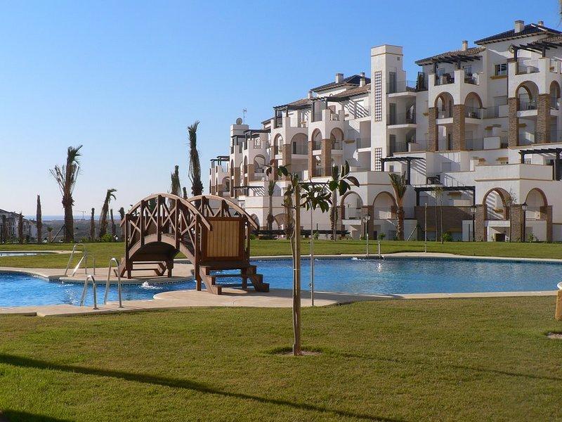 Playa Spa Golf Sol Tenis Padel Gastronomia En Bonito Apartamento, vacation rental in Cuevas del Almanzora