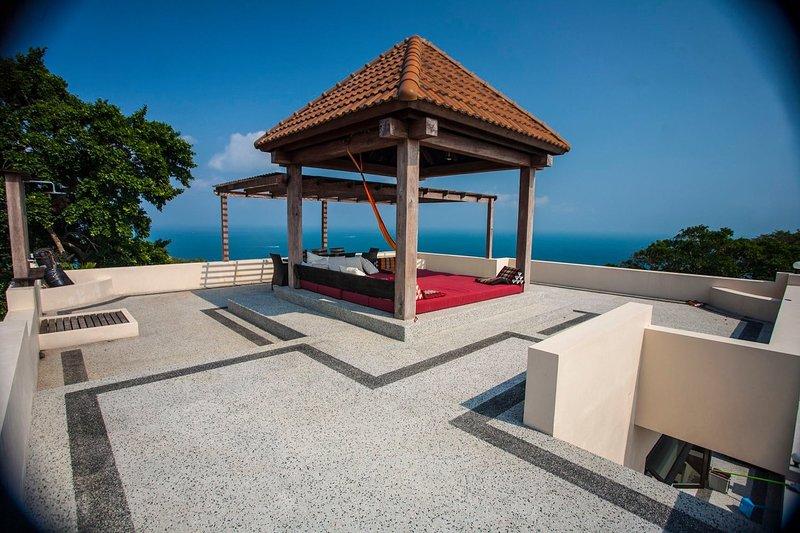 New POP Villa - 2 BR Penthouse Pool Villa w/Sea & Jungle Views, aluguéis de temporada em Koh Tao