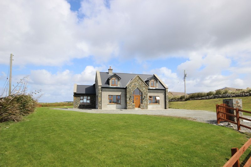 King's House, Cleggan, vacation rental in Cleggan