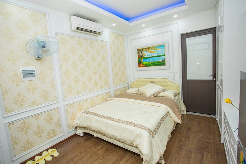 Type 1 - Smile Inn - Serviced Apartment 1, holiday rental in Ha Dong