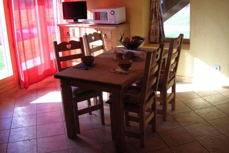 Gite L'Ecurie 2/4 personnes, casa vacanza a Montcel