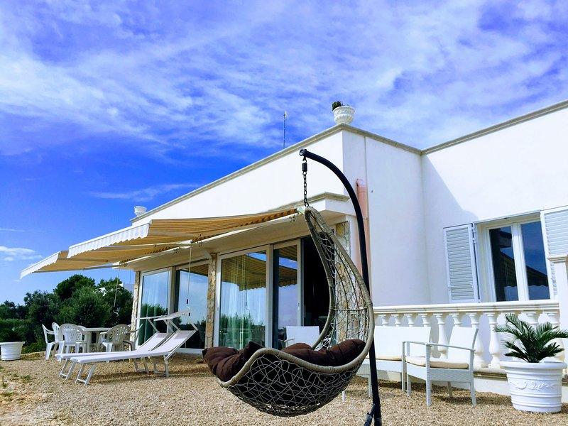 Super appart. in Villa nuova Vista mare panoramica - vicino spiaggie e grotte, holiday rental in Castrignano del Capo