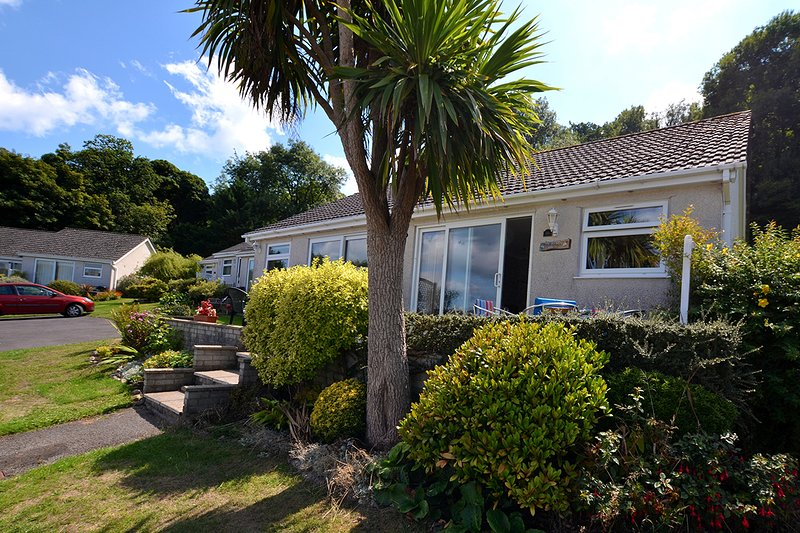Gower, Oxwich, Amazing Views, Two bedrooms, Self Catering, holiday rental in Swansea County