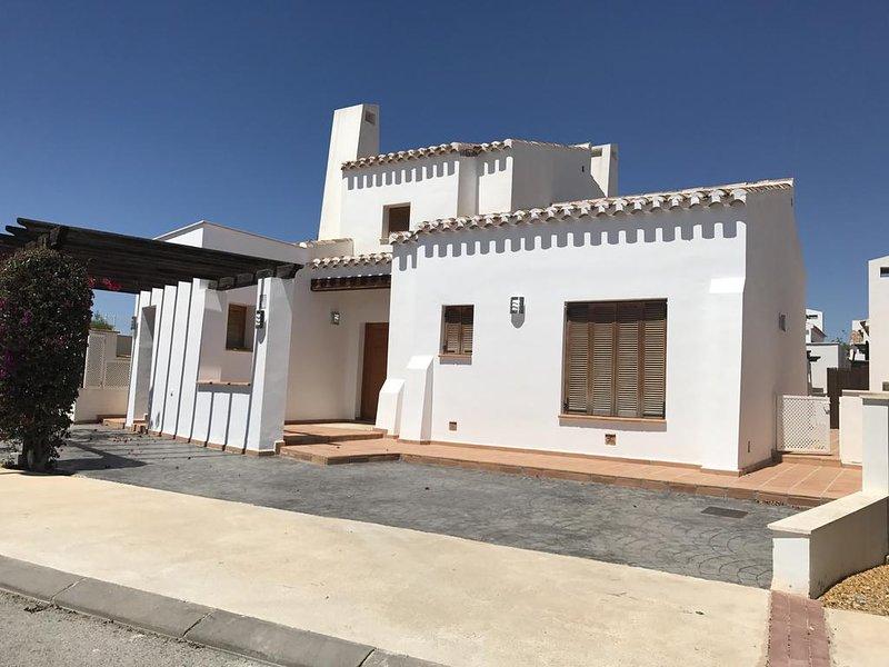 Olivino 1 Holiday Villa - El Valle Golf Resort, vacation rental in Las Torres de Cotillas