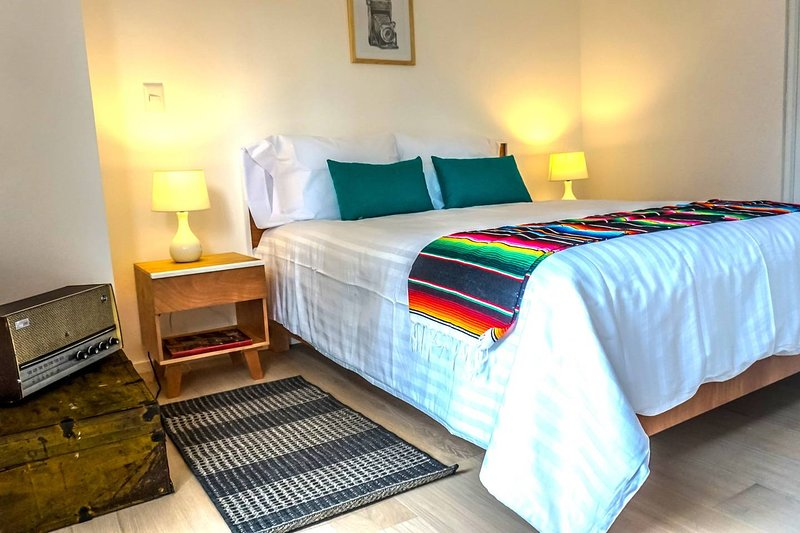 Mexico´s Retro / Classic pad * Downtown (P11), holiday rental in Ecatepec