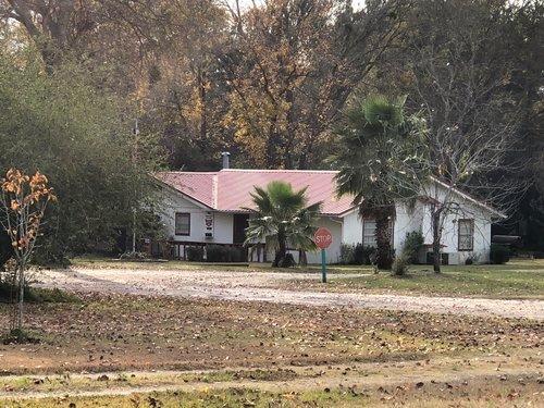 Magnolia RV Park Cabins (4) – semesterbostad i Livingston