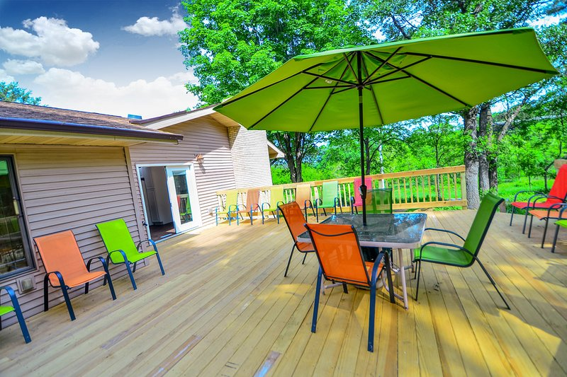 *NEW LISTING | Wild Thing Lodge at DellsVacay | Spacious 5BR | Mins to Wis Dells, casa vacanza a Wisconsin Dells