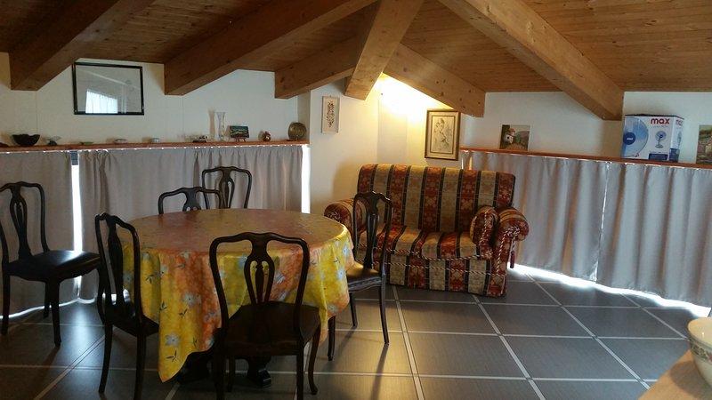 Amazing apt with terrace & Wifi, location de vacances à Ne