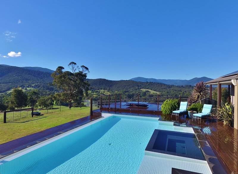 Ainsworth House In The Yarra Valley, holiday rental in Tarrawarra