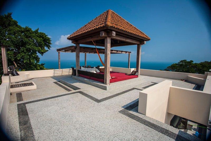 New POP Villa, 3 BR Penthouse Pool Villa, Sea & Jungle Views, aluguéis de temporada em Koh Tao