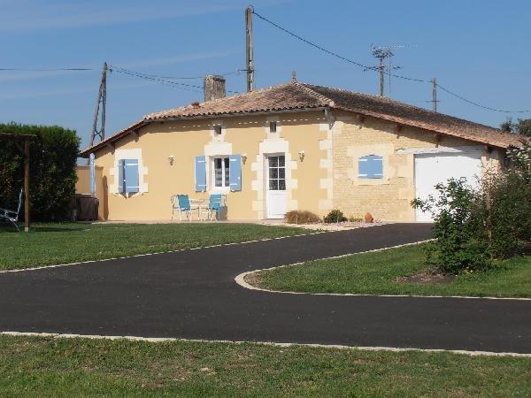 Gite ' A La Vue Du Moulin', holiday rental in Reaux