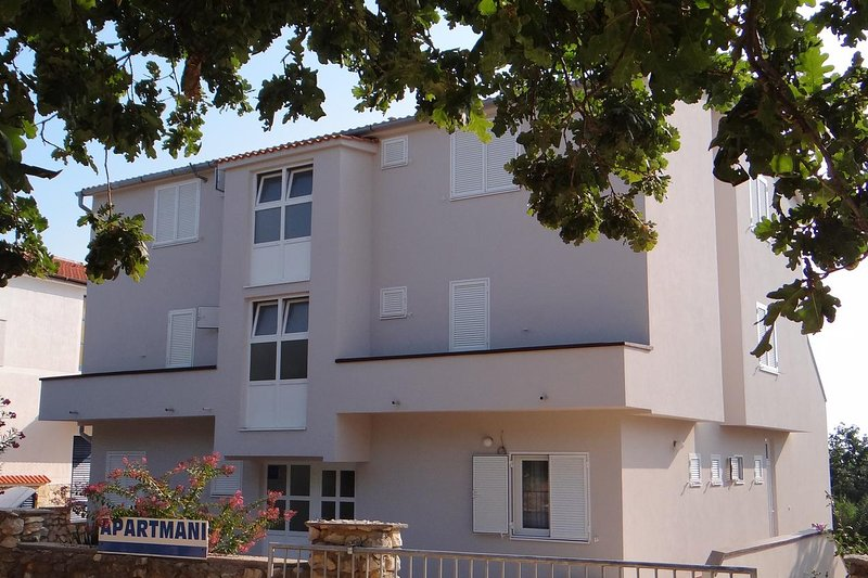 One bedroom apartment Potočnica, Pag (A-4096-f), vacation rental in Potocnica