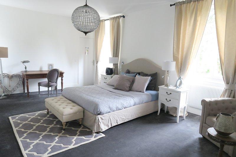 Château des Ayes | Suite Berlioz, holiday rental in Notre Dame-de-l'Osier
