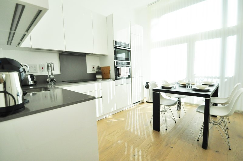 Stylish 2 Bedroom Apartment in Camden by City Stay London ...