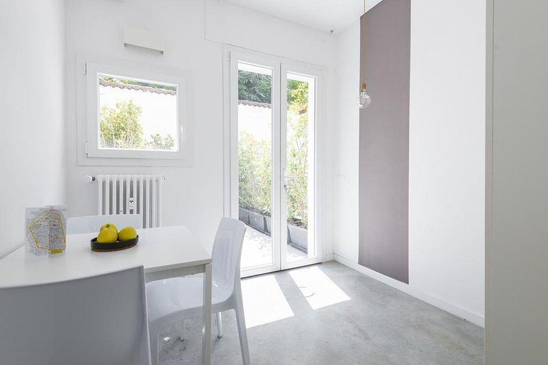 MiaVia Aparts & Loft Mascarella Apartment with Garden 1, holiday rental in San Donino