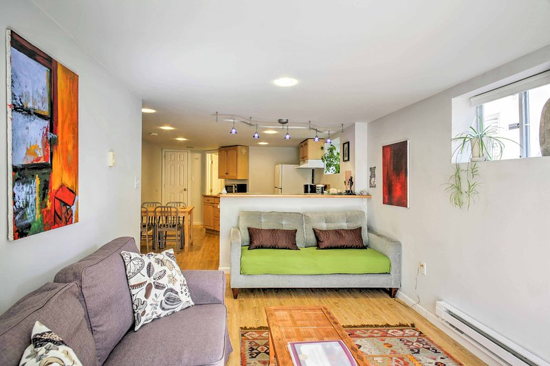 The interior is complemented by hardwood floors and comfortable furnishings!