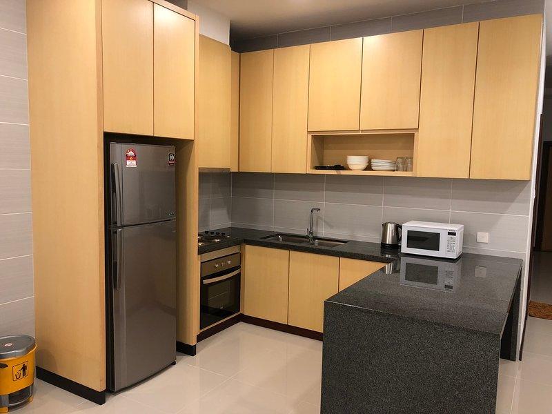 Imperial Suites Apartment (3 Bedrooms) 0701, holiday rental in Kota Samarahan