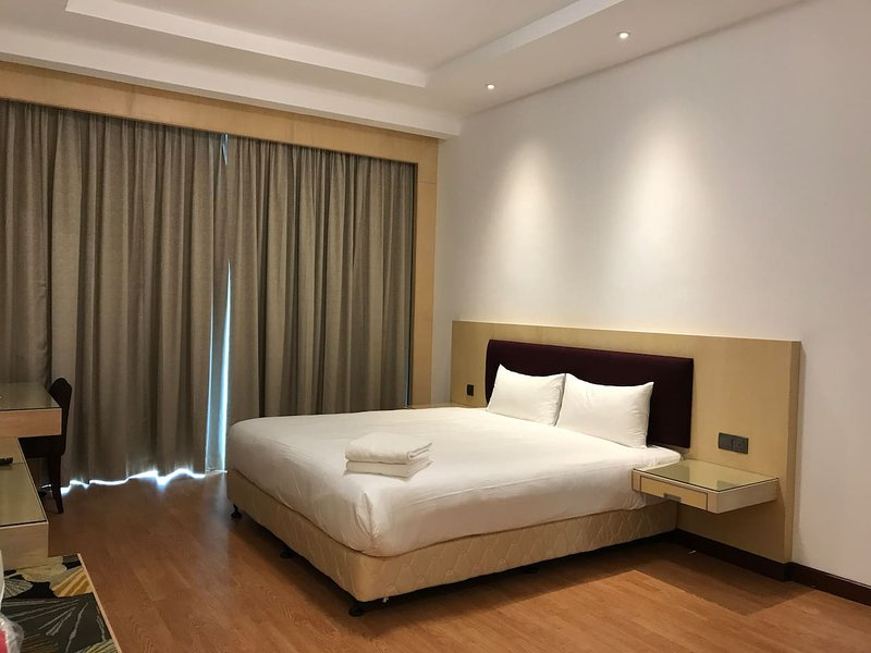 Imperial Suites Apartment (3 Bedrooms) 1313, holiday rental in Kota Samarahan