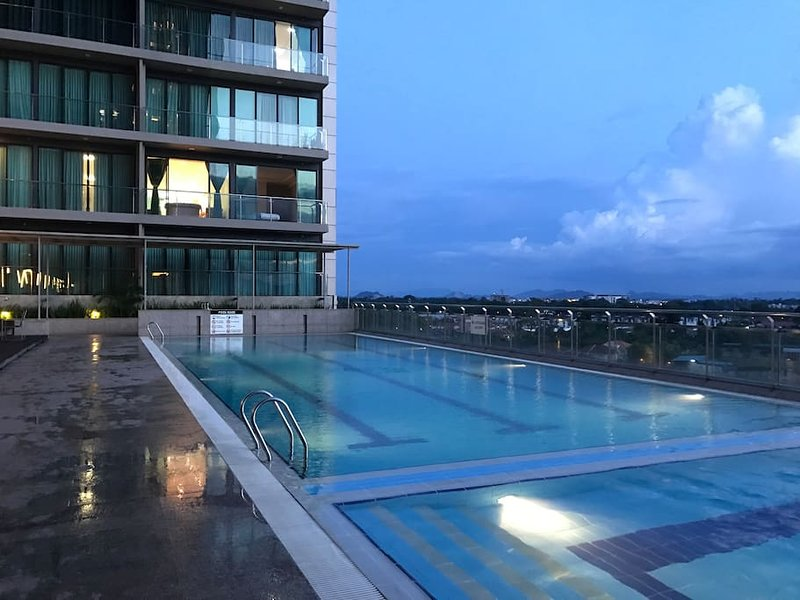 Imperial Suites Apartment (3 Bedrooms) 1104, holiday rental in Kota Samarahan