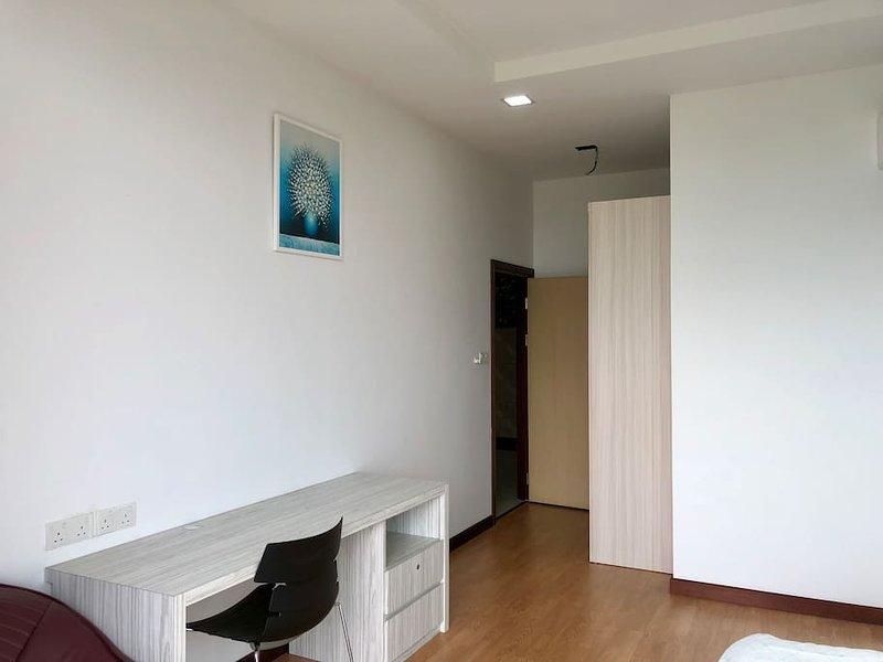 Imperial Suites Apartment (4 Bedrooms) 0706, holiday rental in Kota Samarahan