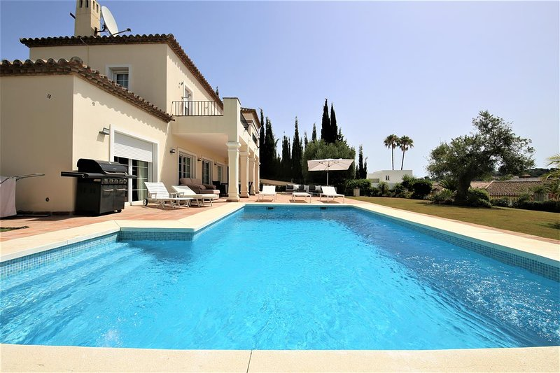 Villa ARNE, holiday rental in El Paraiso