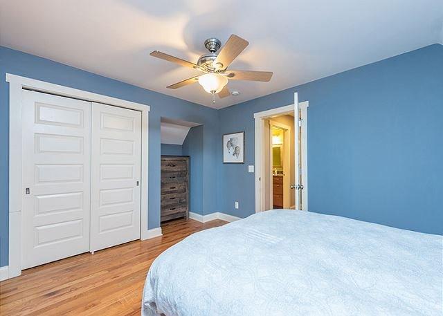 Camera 2 con letto matrimoniale.