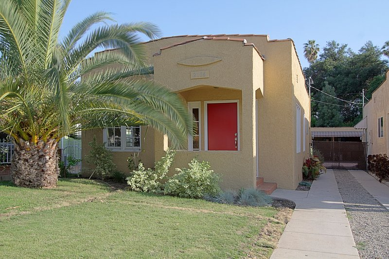 Family-Friendly Spanish Cottage in Walkable Eagle Rock- 3 Bedrooms + 2 Bathrooms, vacation rental in South Pasadena