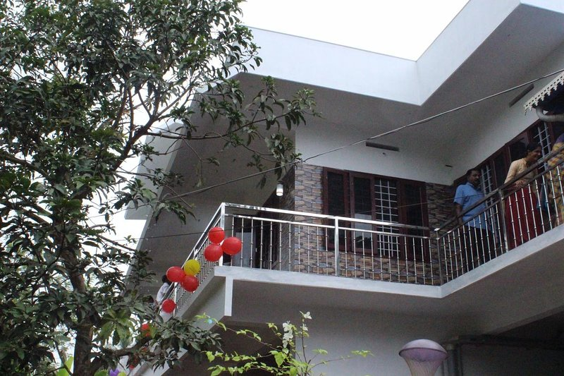 St.Antony Apartment and Homestay, vacation rental in Nedumbassery